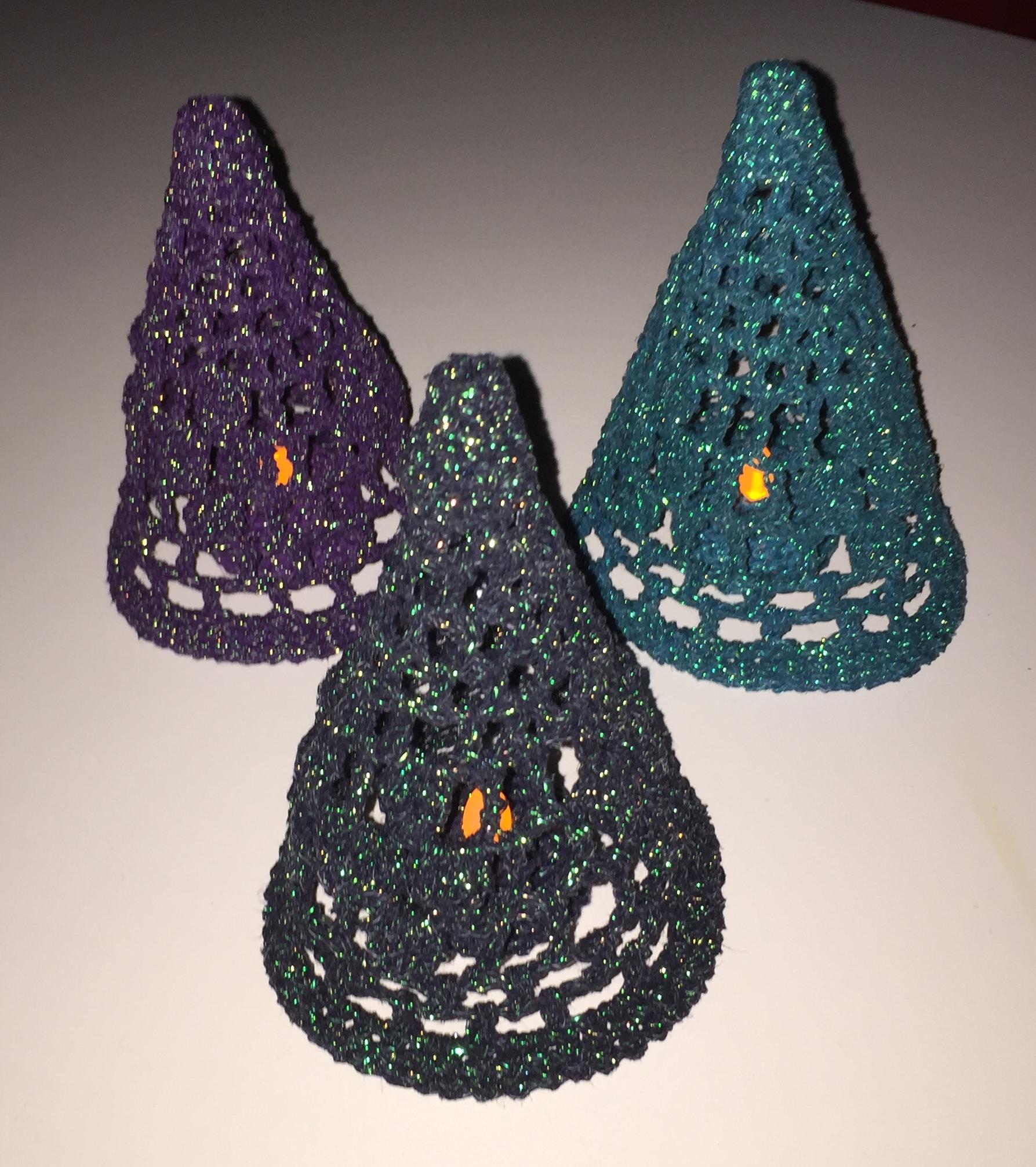 Hæklekit juletræ /Lyskegle