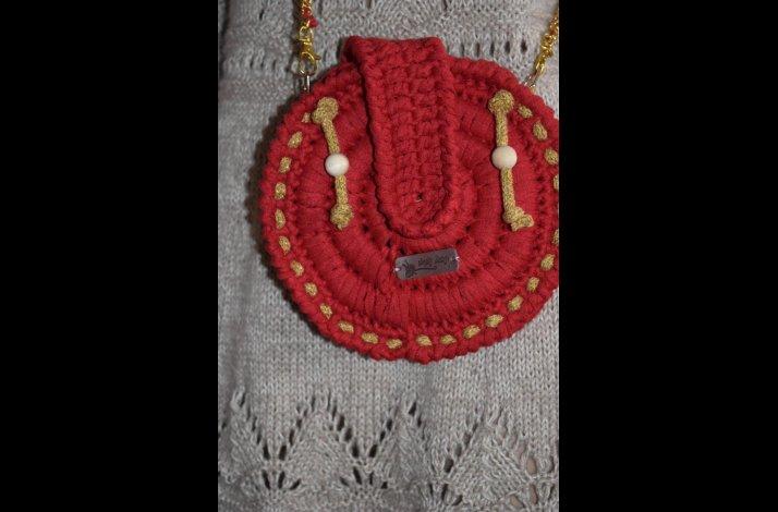 Rund taske i ribbon med guldsnor hæklekit