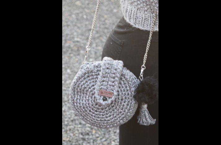 Hæklekit rund taske i ribbon med lurex / glimmer