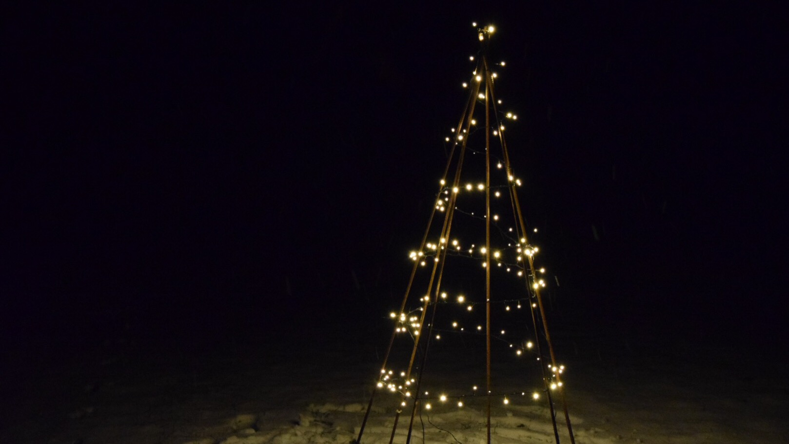 Image of Smedens juletræ råt og ubehandlet 6 ben 150 cm