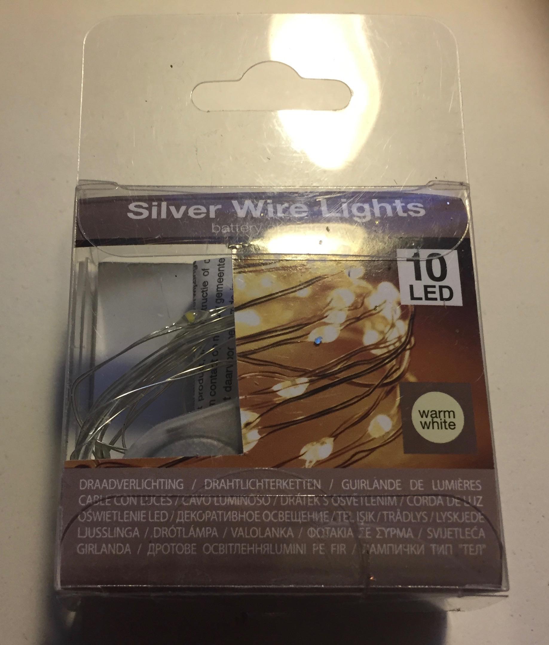 Image of LED lyskæde med batterier 10 stk. Guld